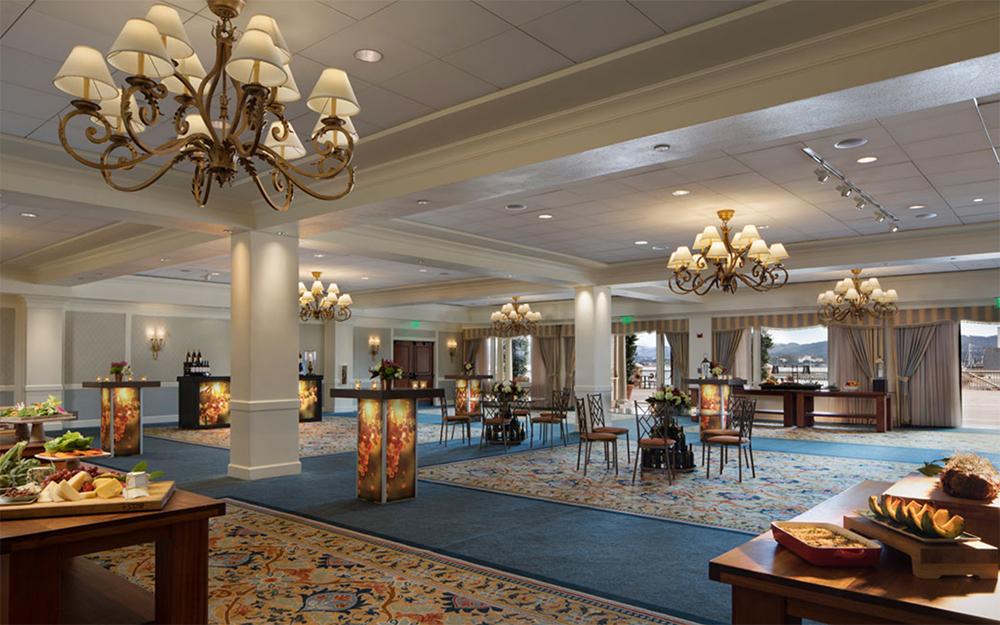 monterey-plaza-hotel-banquet-room